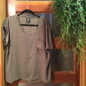 Green Pocket Blouse